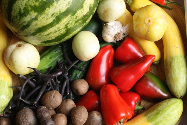 Kas iš tiesų nulemia tokį įprastinių ir ekologiškų produktų kainų skirtumą?