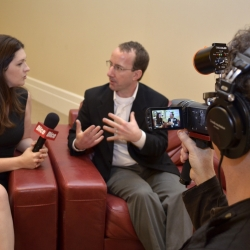 Bendravimas su žurnalistais: kaip (ne)dera bendrauti norint pasiekti naudos verslui