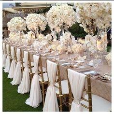 Kaip sutaupyti renkantis pokylių salę vestuvėms?