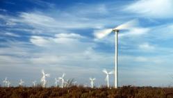 Alternatyvioji energetika taupo pinigus ir tausoja gamtą