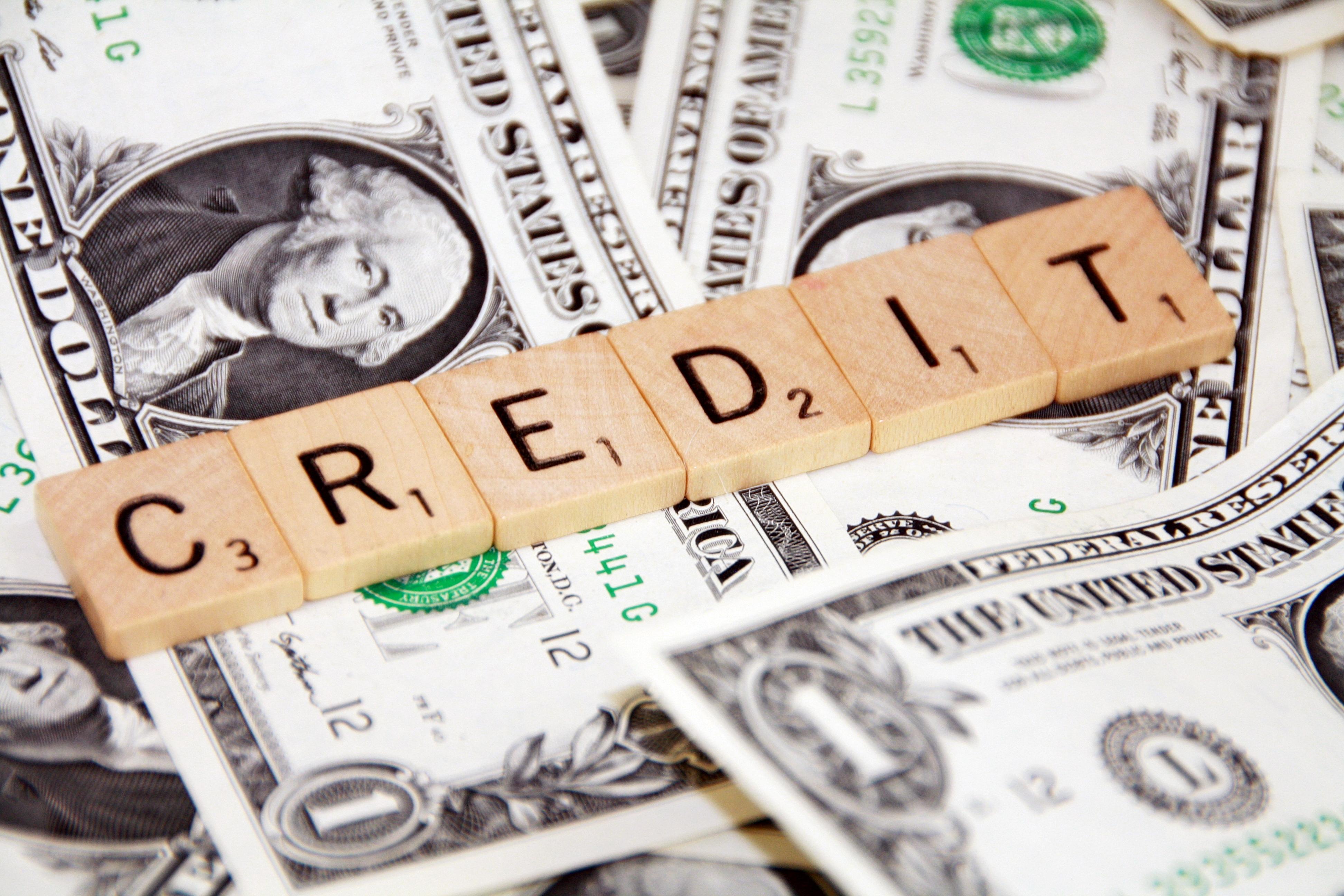 Kreditai – šiuolaikinio pasaulio grėsmė ar išsigelbėjimas?