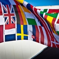 Nemokami užsienio kalbų kursai griauna tarptautinius barjerus