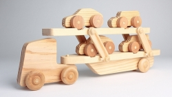 Ekologiški žaislai vis labiau užkariauja rinką