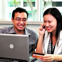 Klestintis internetinės prekybos verslas: kaip sukurti ir prižiūrėti elektroninę parduotuvę?