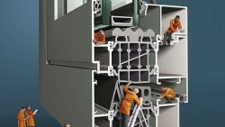 """""""Reynaers"""" griauna mitus apie aliuminio sistemas"""