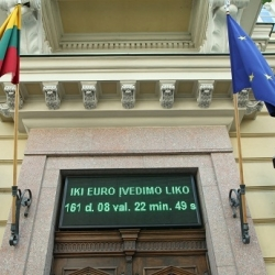 Laikrodis Vilniaus centre pradėjo skaičiuoti laiką, likusį iki euro įvedimo