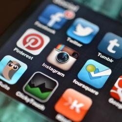 Reklama socialiniuose tinkluose: neribotos rinkodaros galimybės ir pavojai