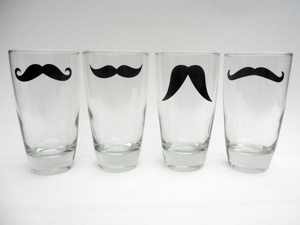 stiklinė su ūsais