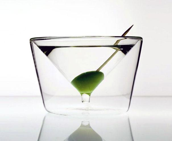 martinio taurė stiklinėje