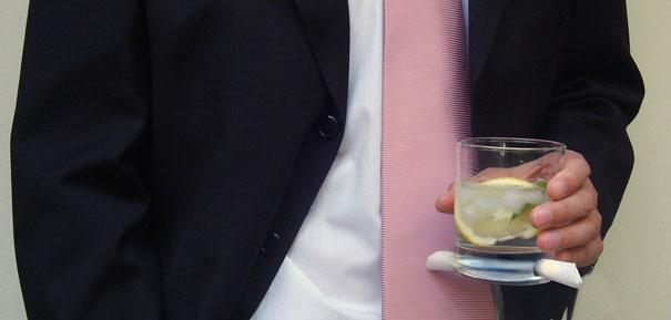 stiklinė su servetėle